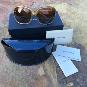 GIVENCHY SGV696 Women's Sunglasses